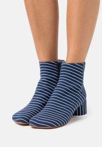 MM6 Maison Margiela - BOOT - Classic ankle boots - true blue/white - 0