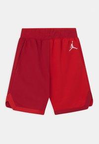 Jordan - JUMPMAN UNISEX - Urheilushortsit - gym red - 1