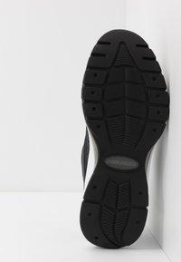 Tommy Jeans - HERITAGE RUNNER - Sneakers basse - black - 4