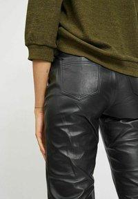 Vila - Leather trousers - black - 3