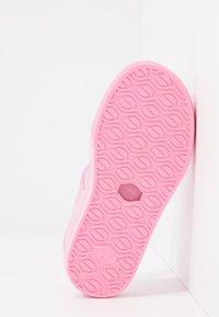 IGOR - MALIBU - Sandały kąpielowe - rosa - 5