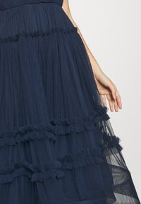 Lace & Beads - SHAY MIDI DRESS - Cocktailkjole - navy - 5