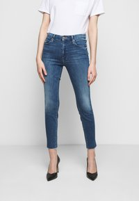 Mother - LOOKER ANKLE FRAY - Jeans Skinny Fit - blue denim - 0