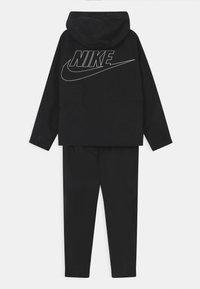 Nike Sportswear - SET UNISEX - Verryttelytakki - black/white - 1