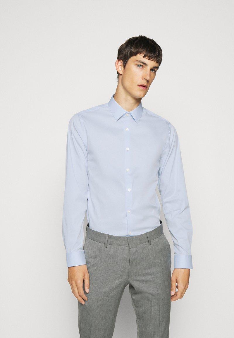 Tiger of Sweden - FILBRODIE - Formal shirt - light blue