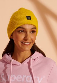 Superdry - Beanie - staten yellow - 0