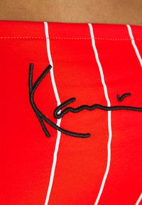 Karl Kani - SMALL SIGNATURE PINSTRIPE BANDEU - Top - red - 4