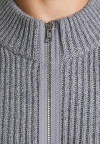 Filippa K - ASHER ZIP  - Cardigan - mid grey - 6