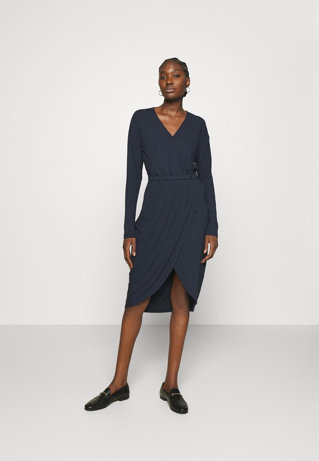 LYLA DRESS - Sukienka z dżerseju - outer space