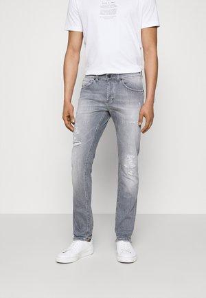 PANTALONE GEORGE - Jeans Slim Fit - light grey