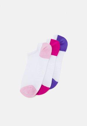 TRAINER SOCKS 3 PACK - Socks - white
