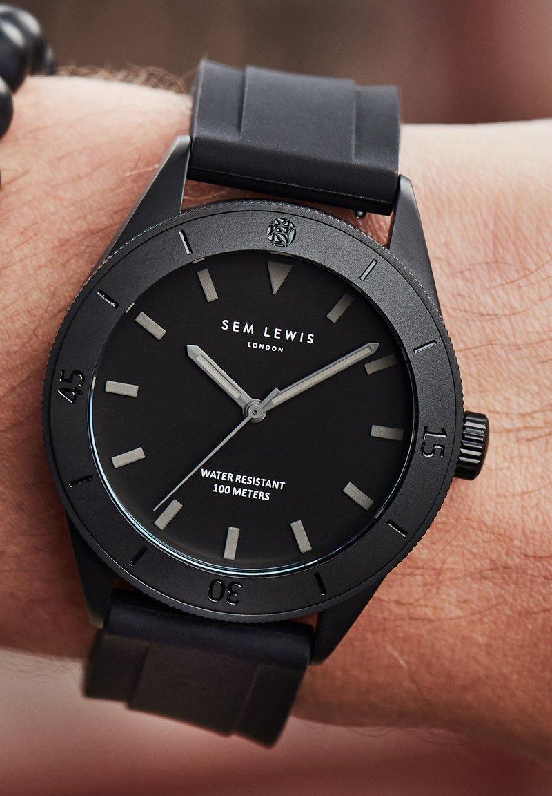 Sem Lewis - Watch - schwarz
