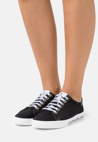 Calvin Klein Jeans - PROFILE LACEUP  - Sneakers laag - black - 0
