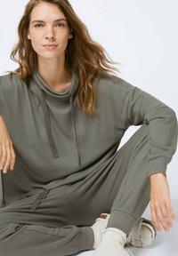 OYSHO - Pyjama top - khaki - 4