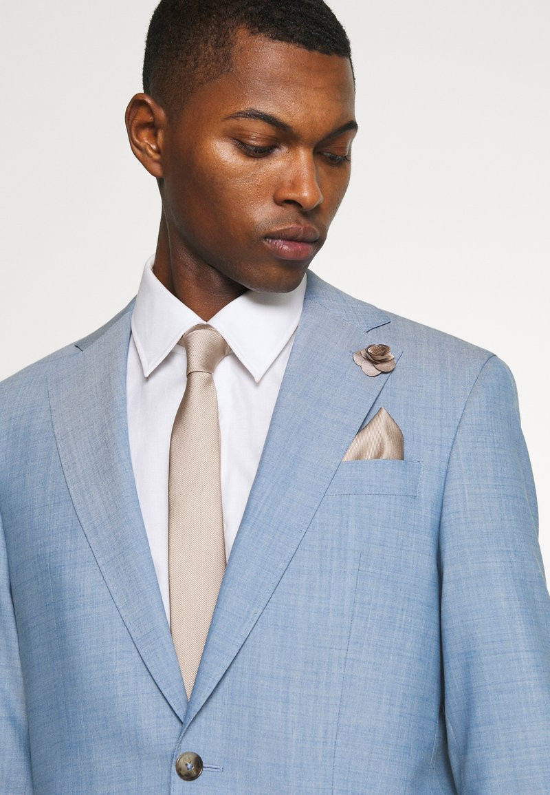Burton Menswear London - WEDDING PLAIN WITH MATCHING FLOWER PIN SET - Kravata - neutral