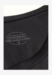 Intimissimi - MIT UNTERLEGTEN KA - Basic T-shirt - nero - 3