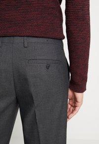 Selected Homme - SLHSLIM KENT PANTS - Kalhoty - dark grey - 3