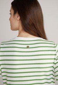JOOP! - Jersey dress - grün weiß gestreift - 9
