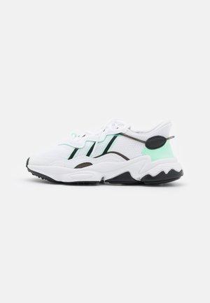 OZWEEGO  - Sneakers basse - footwear white/frozen green/core black