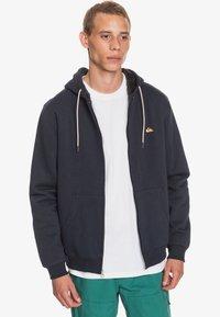 Quiksilver - MIT SHERPA-FUTTER UND - Zip-up hoodie - navy blazer - 2
