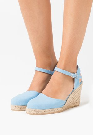 Sandaler med høye hæler - light blue