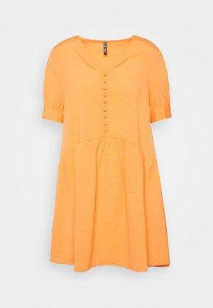 PCGENEVA DRESS - Day dress - nectarine