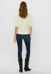Vero Moda - Basic T-shirt - birch - 2