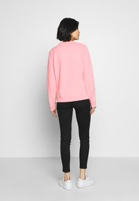 Tommy Hilfiger - CREW NECK - Sweatshirt - pink grapefruit - 2