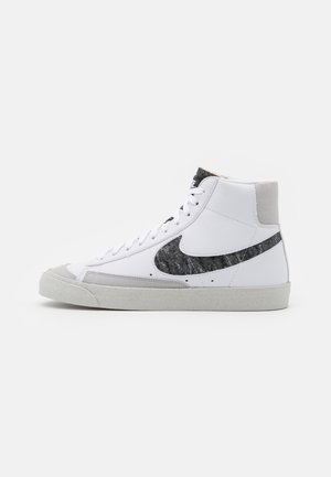 BLAZER MID '77 UNISEX - High-top trainers - white/light smoke grey/bright crimson