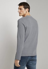 TOM TAILOR - MIT WAFFELSTRUKTUR - Long sleeved top - middle grey melange