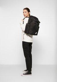 Nike Sportswear - HERITAGE UNISEX - Batoh - black/white - 7