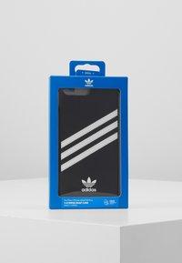adidas Originals - ADIDAS OR MOULDED CASE SAMBA - Obal na telefon - black / white - 5