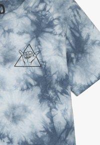 Cotton On - THE UPSIDE SHORT SLEEVE TEE - Print T-shirt - white/blue - 3