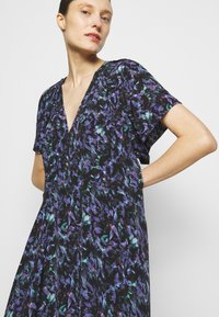 Iro - BAGO DRESS - Denní šaty - black/multicolored - 3