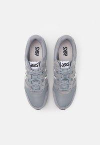 ASICS SportStyle - LYTE CLASSIC UNISEX - Sneakers - sheet rock/white - 3