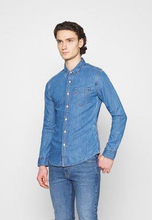 Lee BUTTON DOWN - Koszula - tide blue/niebieski denim Odzież Męska XMKV