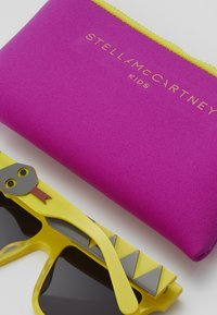 Stella McCartney - SUNGLASS KID - Sunglasses - yellow - 3