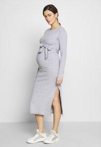 Missguided Maternity - SOFT SPLIT SIDE BELTED DRESS - Žerzejové šaty - grey - 0