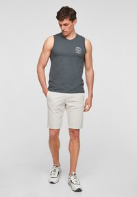 s.Oliver - Shorts - offwhite - 1