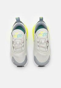 Nike Sportswear - AIR MAX 270 BT UNISEX - Tenisky - light bone/black/volt/particle grey - 3