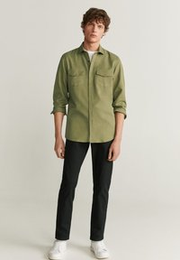 Mango - REGULAR FIT-HEMD MIT TASCHEN - Shirt - khaki - 1