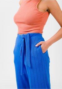 Solai - Trousers - cobalt blue - 5