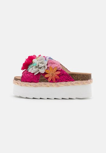 BES WITH MULTI FLOWERS - Heeled mules - fuchsia