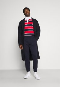 Lacoste - Polo shirt - rouge/marine naturel/clair blanc - 1