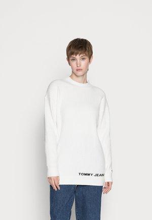 LOFTY TURTLENECK - Jumper - snow white