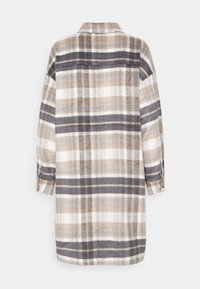 ONLY - ONLHANNAH CHECK LONG SHACKET  - Classic coat - light grey melange/light brown - 6