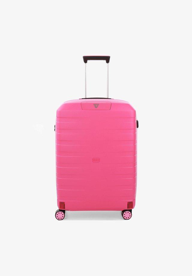 BOX YOUNG - Wheeled suitcase - fragola
