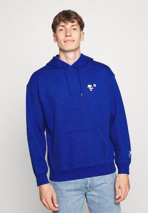 T3 RELAXD GRAPHIC HOODIE - Hoodie - surf blue