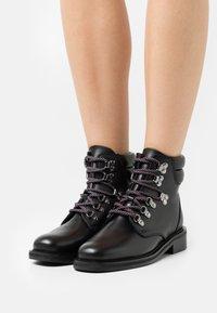 Claudie Pierlot - ARAMISTER - Lace-up ankle boots - noir - 0