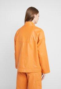 CLOSED - THEKLA - Leather jacket - mango - 2